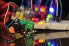 Leuchtende LED und elektronische Bauelemente Stockfotos
