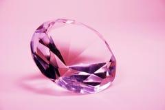 Leuchtender rosafarbener Diamant Stockfotografie