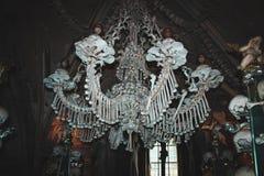 Leuchter hergestellt auf natürlichen menschlichen Knochen Kutna hora Czeh-Republik Stockbild