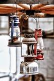Leuchter hergestellt von den Weinleselaternen - HDR Lizenzfreie Stockfotografie