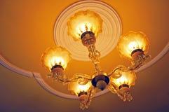 Leuchter mit Leuchten Lizenzfreies Stockbild