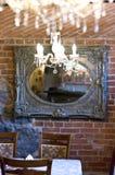Leuchter und Spiegel stockbild