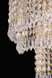 Leuchterlicht im Innenraum, Chrystal-Leuchternahaufnahme Kristallteil vom Leuchter, Leuchter, Beleuchtung, Ausrüstung, Luxus, Lizenzfreies Stockbild