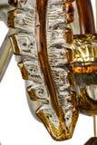 Leuchterlicht im Innenraum, Chrystal-Leuchternahaufnahme Kristallteil vom Leuchter, Leuchter, Beleuchtung, Ausrüstung, Luxus, Lizenzfreie Stockfotografie