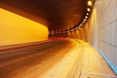 Leuchtespuren im Tunnel Stockfotografie