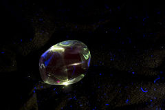 Leuchtstoff Mineralprobe des Aquamarins Stockfotografie