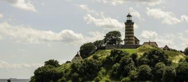 Leuchtturm auf dem Hügel Stockfotografie
