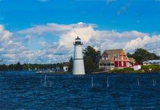Leuchtturm auf dem See Lizenzfreies Stockfoto
