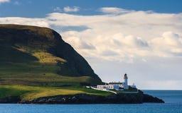 Leuchtturm auf einer Insel stockfotos