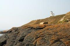 Leuchtturm auf Hügel Stockfoto
