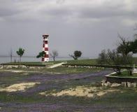 Leuchtturm auf Süßwassersee stockbild
