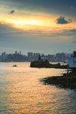 Leuchtturm bei Sonnenuntergang in Yau Tong Lei Yue Mun stockfoto