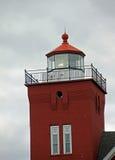 Leuchtturm bei zwei Häfen lizenzfreies stockbild