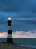 Leuchtturm in der Dämmerung Lizenzfreie Stockfotos