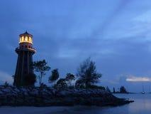 Leuchtturm an der Dämmerung Lizenzfreie Stockfotos