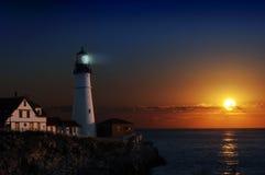 Leuchtturm an der Dämmerung Lizenzfreies Stockfoto