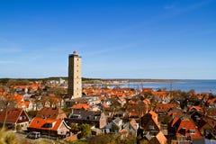 Leuchtturm im kleinen Dorf Lizenzfreie Stockfotos