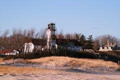 Leuchtturm im Winter stockbild