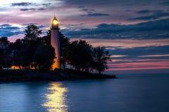Leuchtturm-Leuchtfeuer-Reflexionen Stockbild
