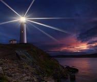 Leuchtturm nachts Lizenzfreie Stockbilder