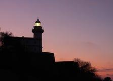 Leuchtturm nachts, Donostia, Gipuzkoa Lizenzfreie Stockfotos