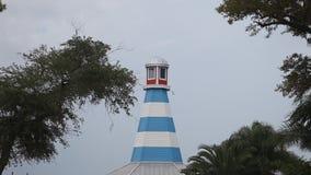 Leuchtturm nahe der Kemah-Promenade stock footage