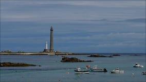 Leuchtturm PHARE de l Ile Vierge in Bretagne stock footage