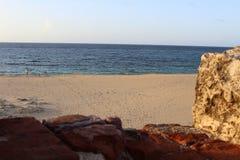 Leuchtturm ruiniert immer aufpassen, vorbereiten immer vor dem Meer Lizenzfreie Stockfotografie