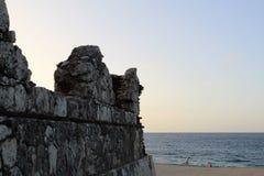 Leuchtturm ruiniert immer aufpassen, vorbereiten immer vor dem Meer Lizenzfreies Stockbild
