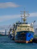 Leuchtturm Seltjarnarnes-Hafen-Fischereifahrzeug Island Lizenzfreie Stockfotos