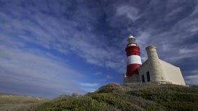Leuchtturm (Umhang Agulhas 1848 in Südafrika) lizenzfreie stockbilder