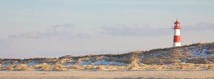 Leuchtturm und Dünen breit Lizenzfreie Stockfotografie