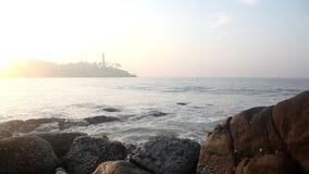 Leuchtturm und Ozean stock video footage