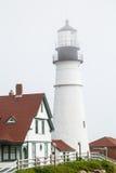 Leuchtturm und Ziegeldach Lizenzfreie Stockbilder