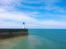 Leuchtturmansicht über das Meer Stockbild