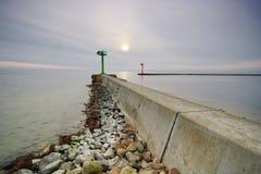 Leuchtturmeingang zum Hafen Stockbilder