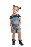 Leuk babymeisje die vergrootglas op handen hebben Royalty-vrije Stock Fotografie