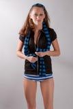 Leuk Beeld van Vrouw in Gestreept Sjaal en Ondergoed Stock Afbeeldingen