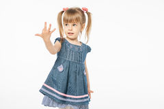 Leuk blondemeisje in blauwe kleding Royalty-vrije Stock Afbeeldingen