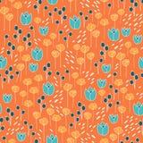 Leuk en in bloemen vectorpatroon met tulpen, papaverbloemen en bessen Royalty-vrije Stock Foto