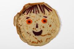 Leuk het glimlachen gezicht van pannekoek, wortel en biet Royalty-vrije Stock Afbeeldingen