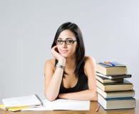 Leuk jong donkerbruin studentenmeisje. Stock Afbeelding