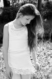 Leuk jong meisje in park Royalty-vrije Stock Fotografie