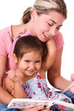 Leuk kind en Mamma. Stock Foto's
