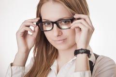 Leuk meisje dat glazen draagt Royalty-vrije Stock Foto's