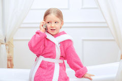Leuk meisje in de badkamers Royalty-vrije Stock Fotografie