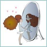 Leuk meisje die haar gedachtengang in spiegel bekijken Royalty-vrije Stock Fotografie