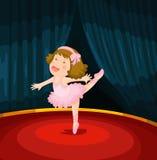 Leuk meisje het dansen ballet op het stadium Stock Fotografie