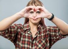 Leuk meisje met hart stock afbeeldingen