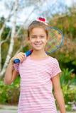 Leuk meisje met racket in openlucht stock afbeeldingen